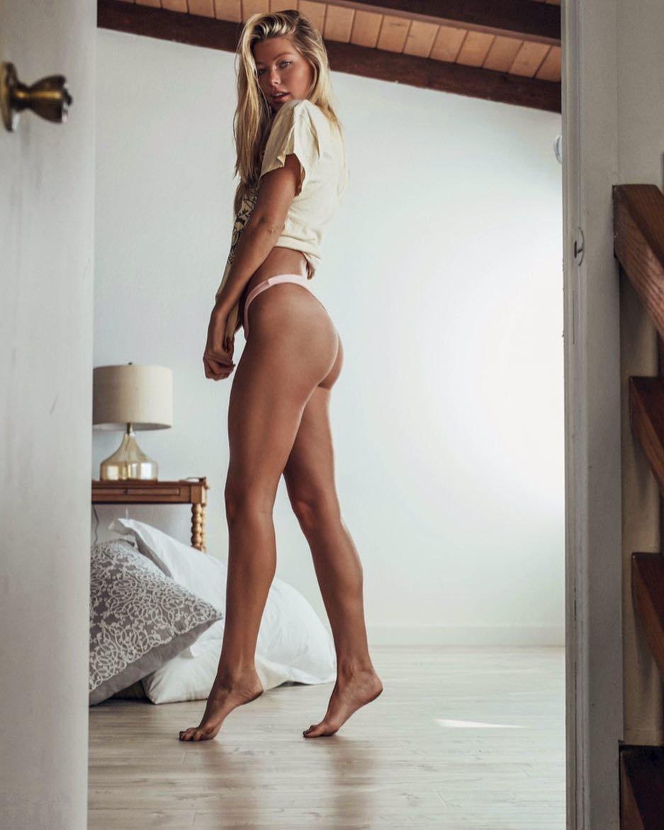 Baskin Champion Sexy (100 Photos)