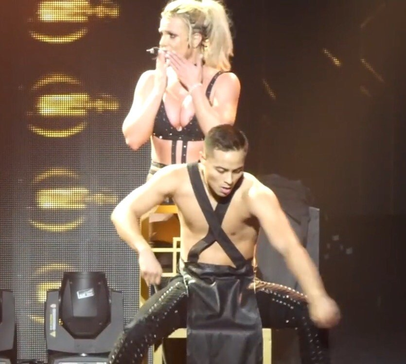 Britney-Spears-Nip-Slip-3-thefappeningblog.com_.jpg