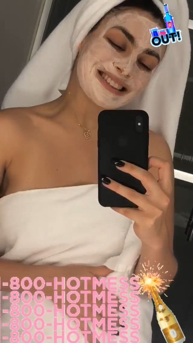Charli XCX See Through & Sexy (6 Photos)