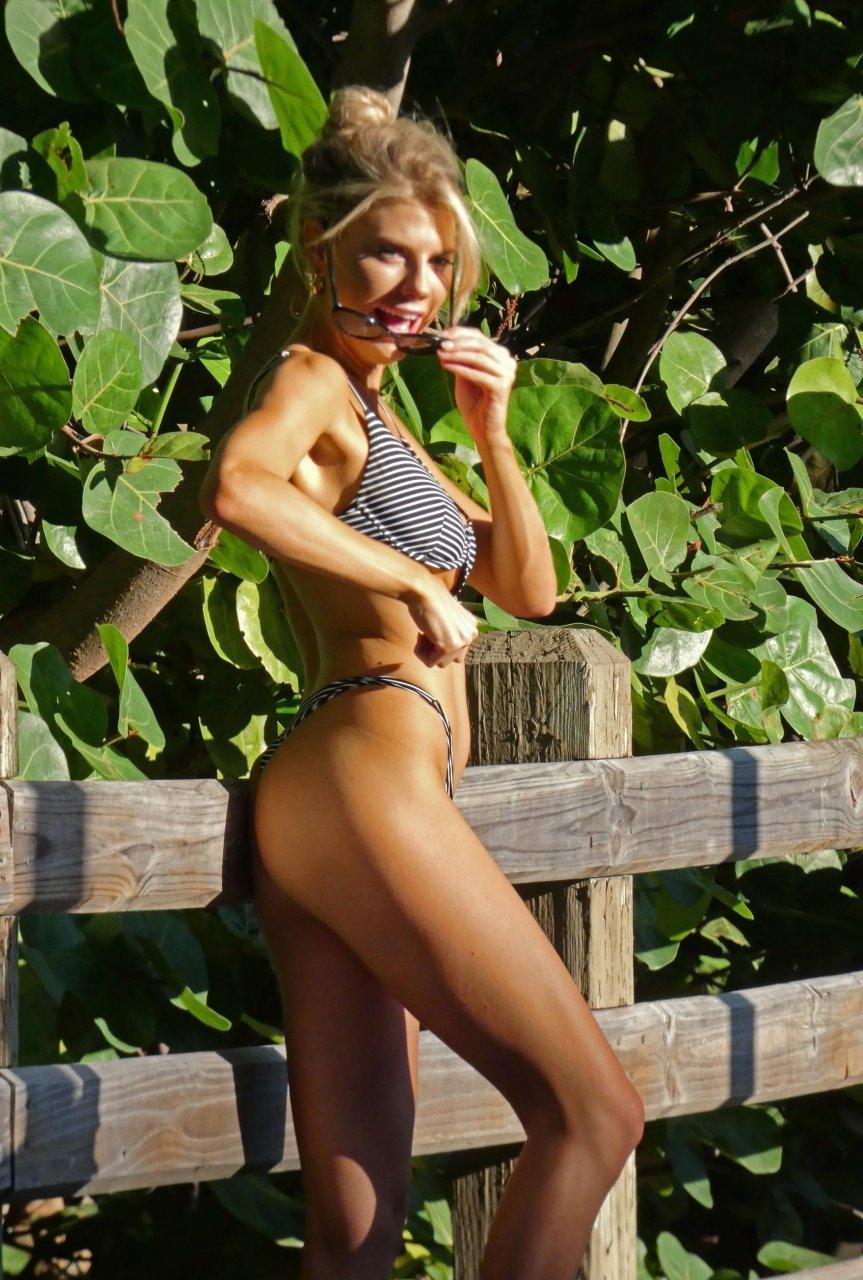 Charlotte-McKinney-Sexy-TheFappeningBlog.com-8-3.jpg