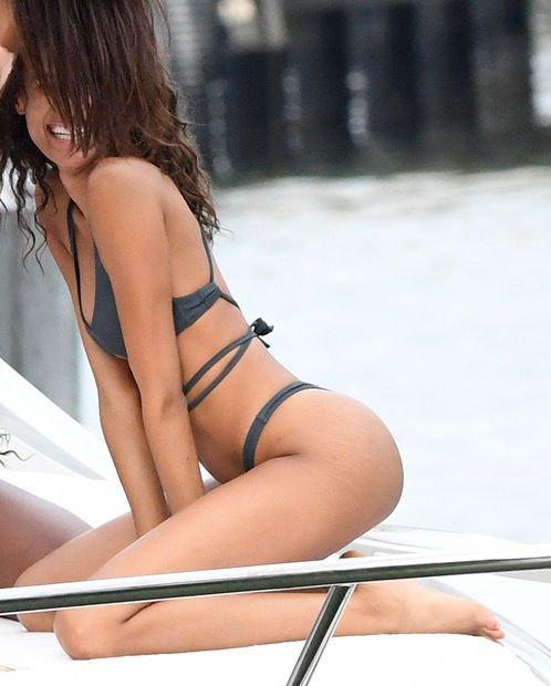 Cindy Bruna Sexy (99 Photos)