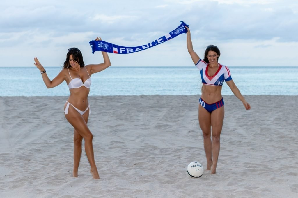Claudia Romani & Anais Zanotti Sexy (24 Photos)