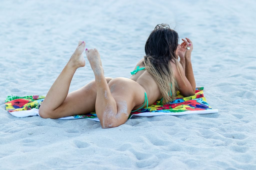 Claudia Romani Sexy (21 Hot Photos)