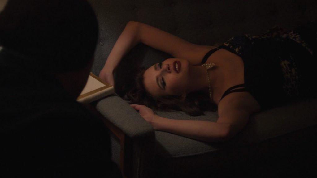 Emma Roberts Sexy – Adult World (6 Pics + Videos)