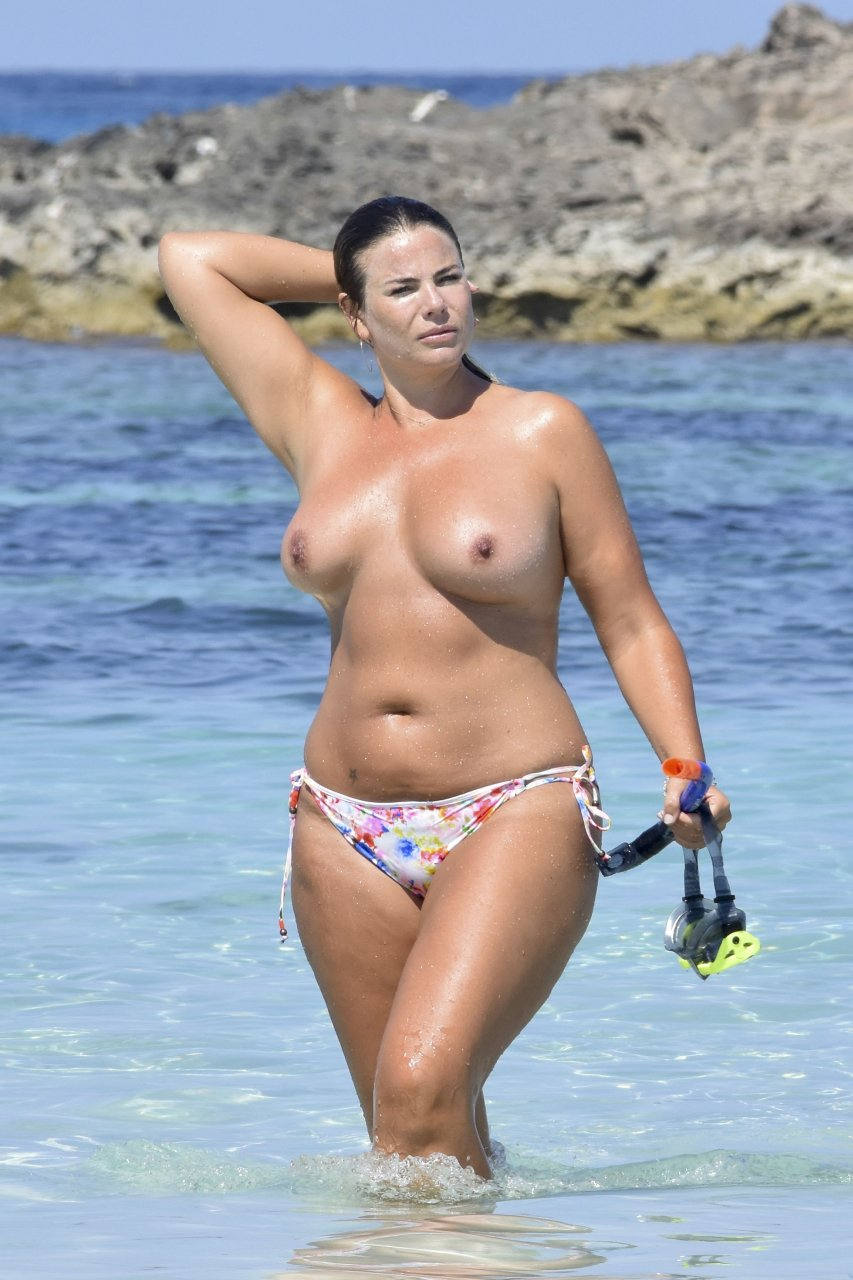 Fiona falkiner topless in holidays in ibiza nude (74 photo)