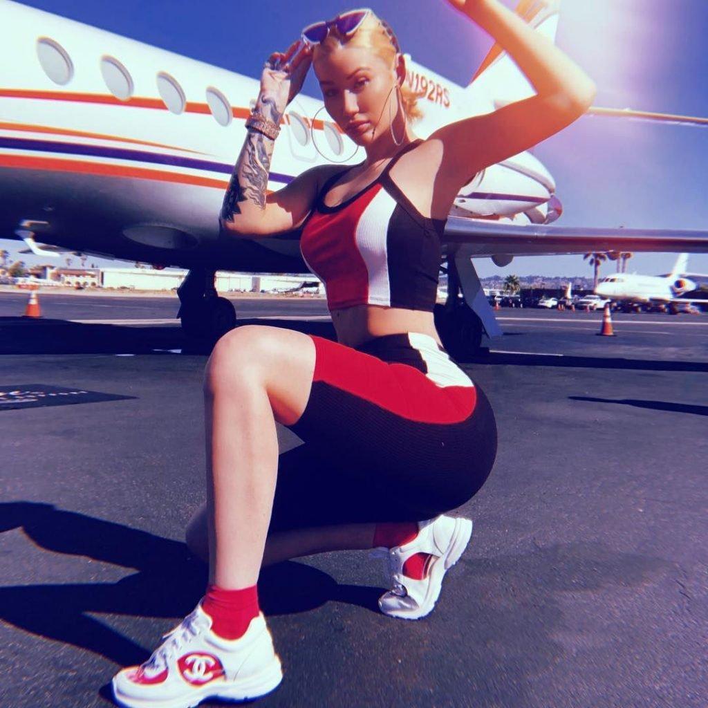 Iggy Azalea Sexy (13 Pics + GIFs & Video)