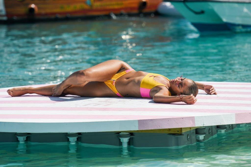 Jasmine Sanders Sexy (38 Photos + Video)