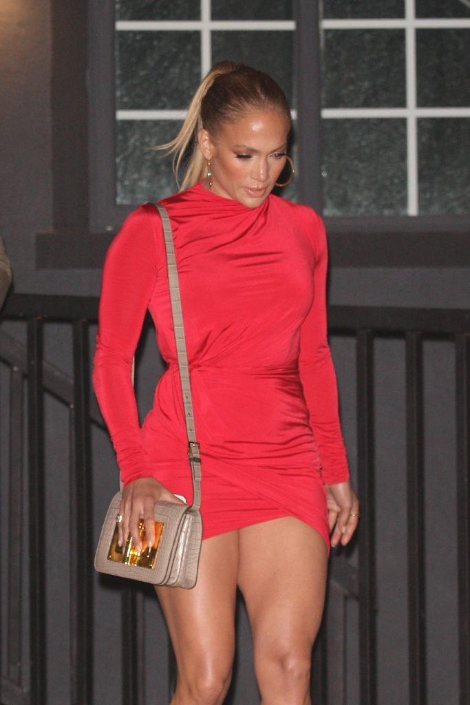 Jennifer Lopez Sexy (21 Photos)