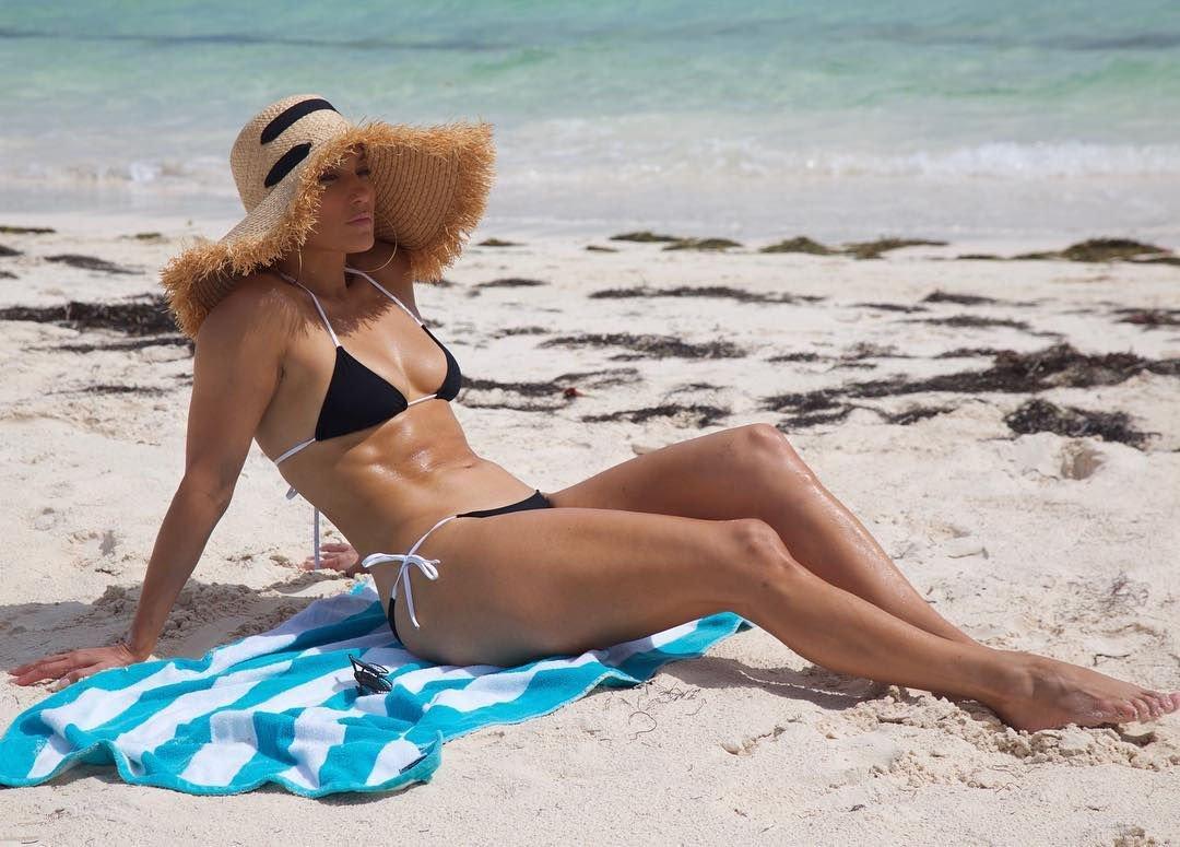 hot bikini pics of jlo