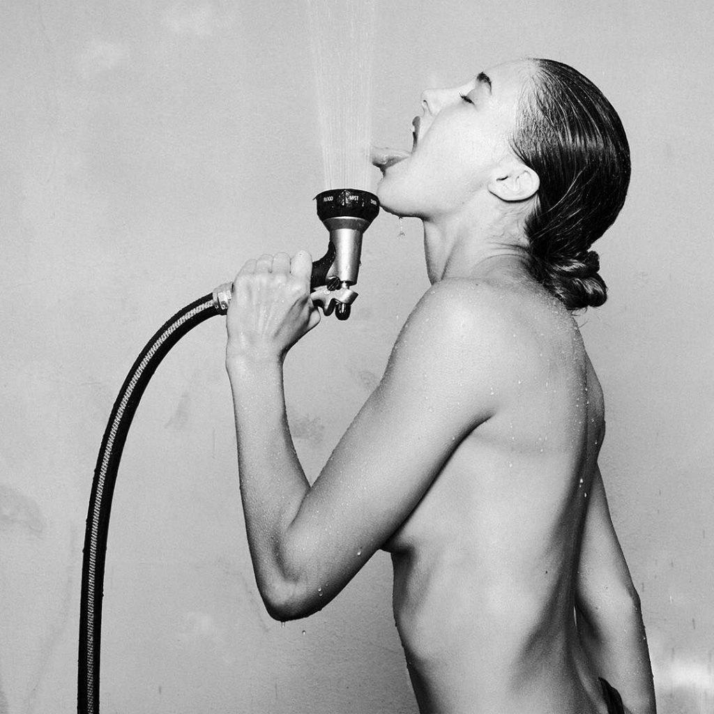 Jessica Serfaty Nude & Sexy (135 Photos)