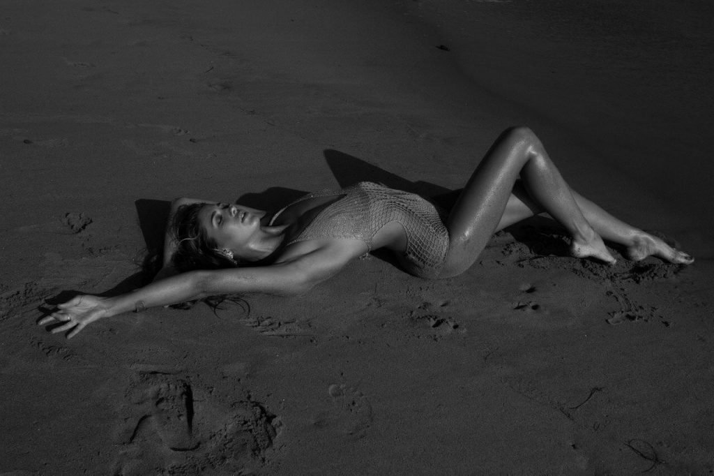 Jessica Serfaty Nude