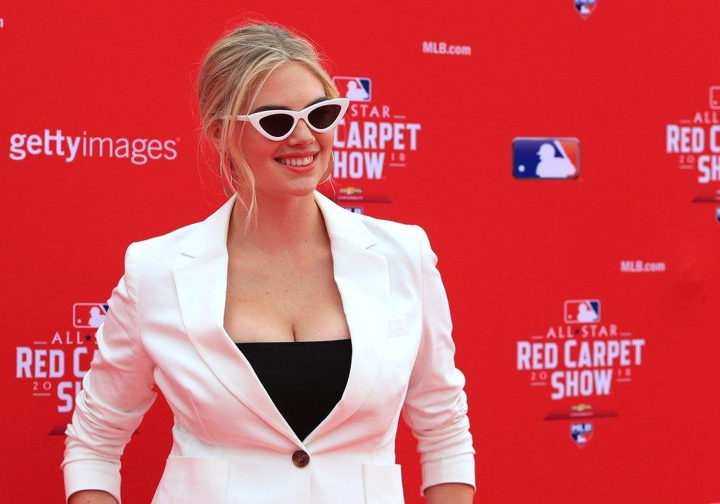 Kate Upton Sexy (18 Photos)