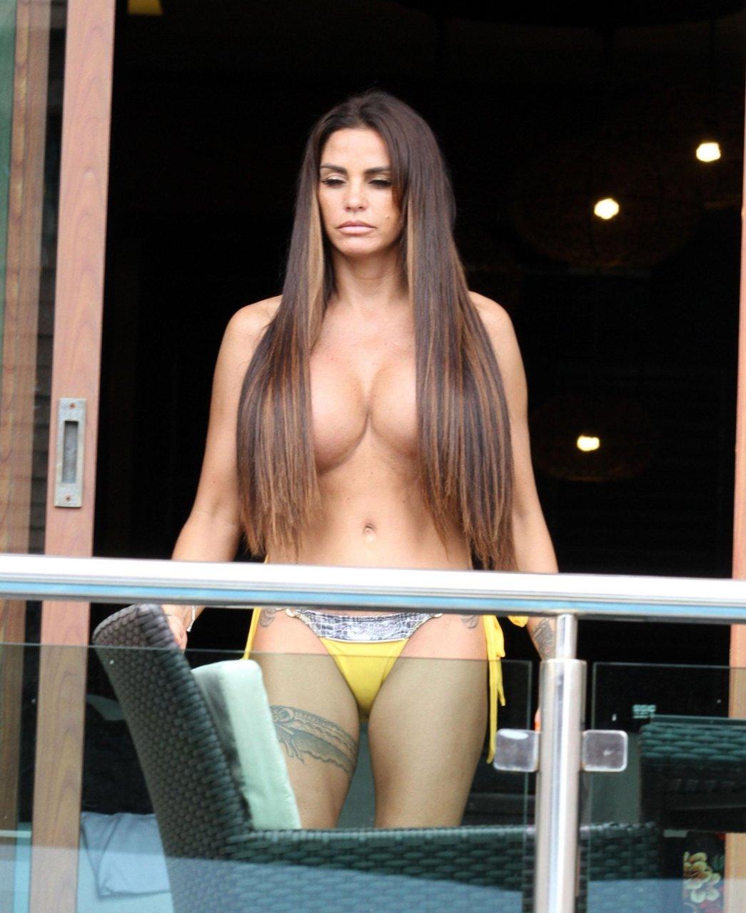Katie-Price-Nude-TheFappeningBlog.com-11.jpg