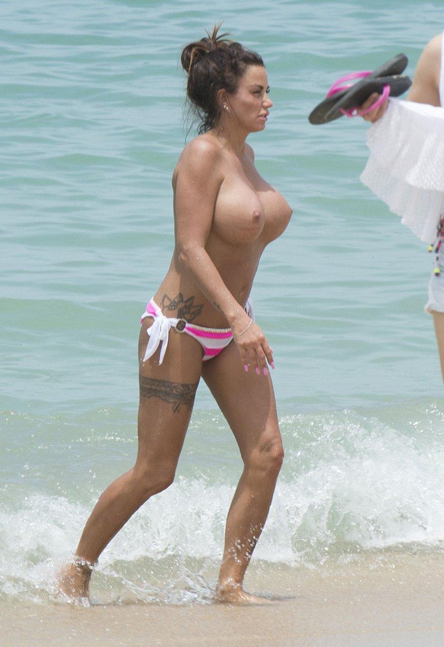 Katie-Price-Topless-TheFappeningBlog.com-12.jpg