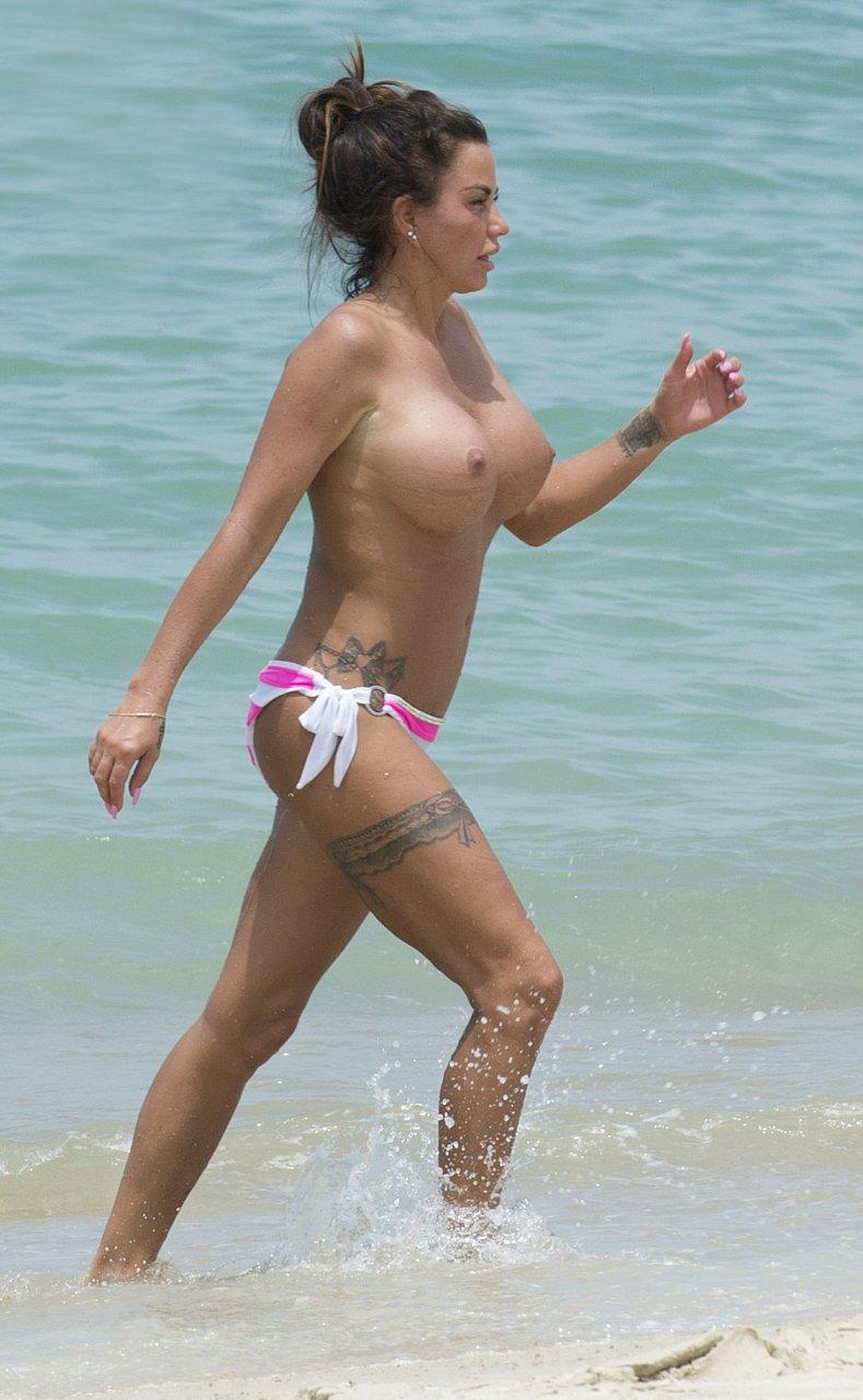Katie-Price-Topless-TheFappeningBlog.com-8.jpg