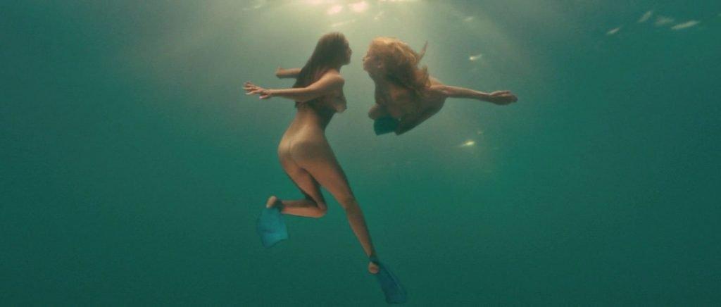 Kelly Brook, Riley Steele Nude – Piranha 3D (6 Pics + GIFs & Videos)