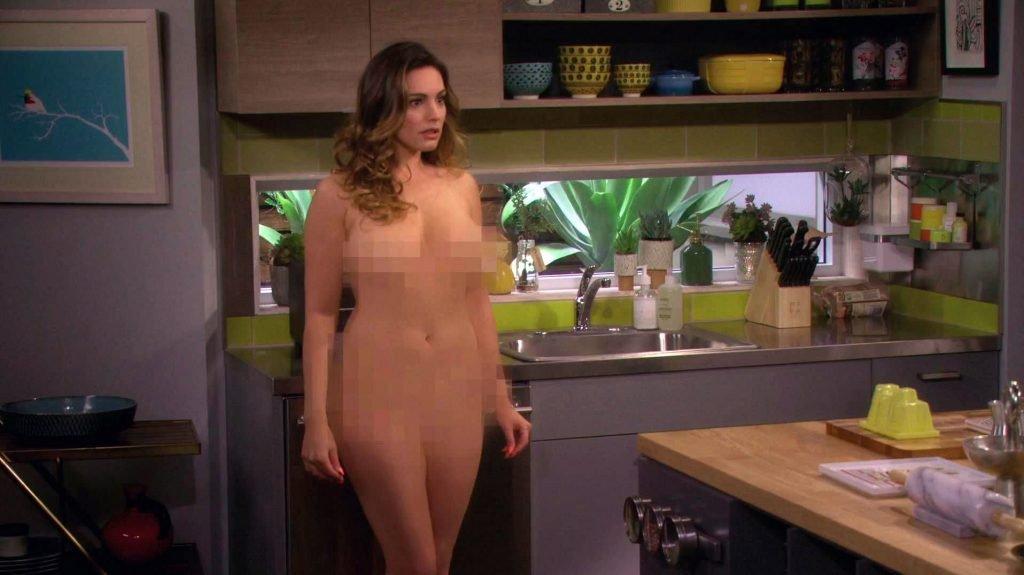 Kelly Brook Sexy – One Big Happy (4 Pics + GIF & Videos)
