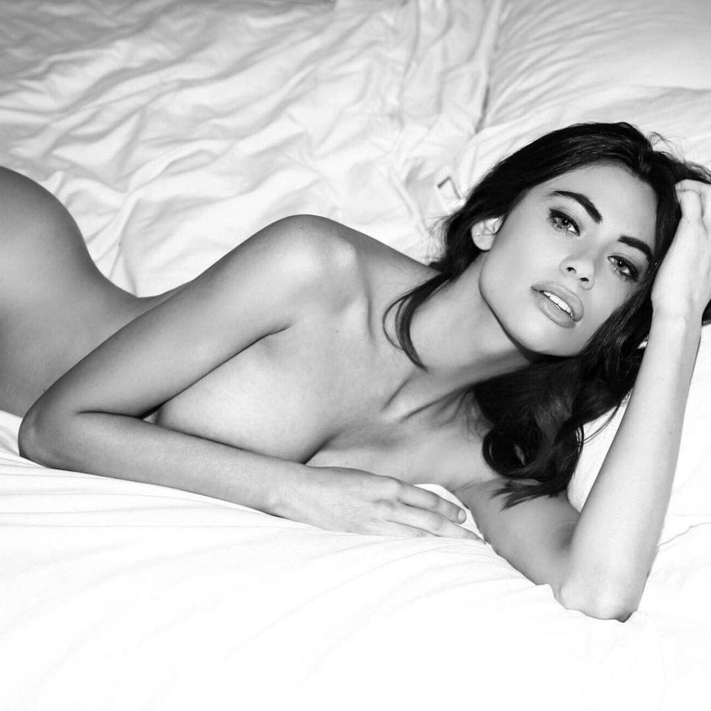 nudes (76 photo), Cleavage Celebrites fotos