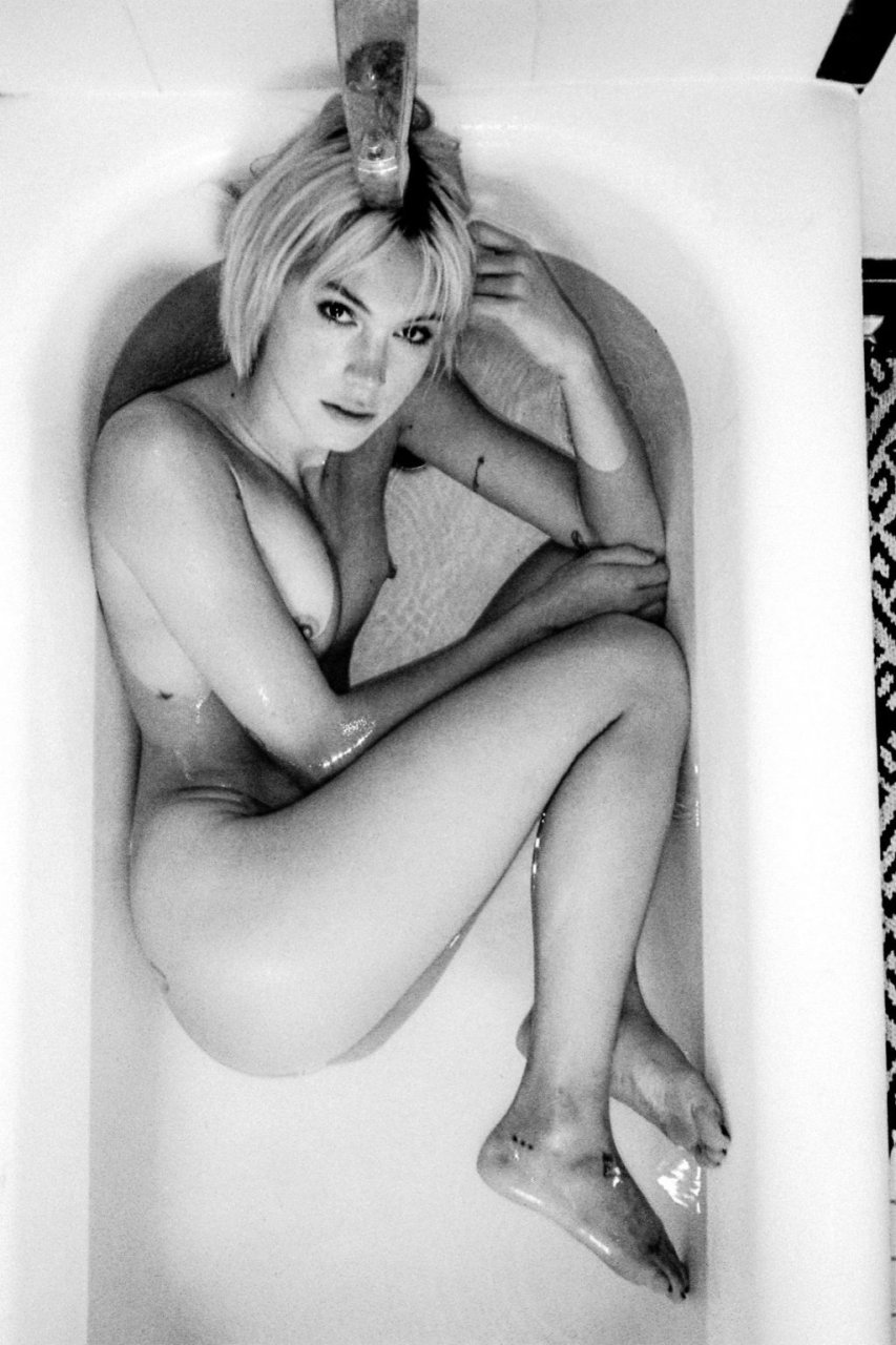 Kelsey Christian Nude & Sexy (11 Photos)