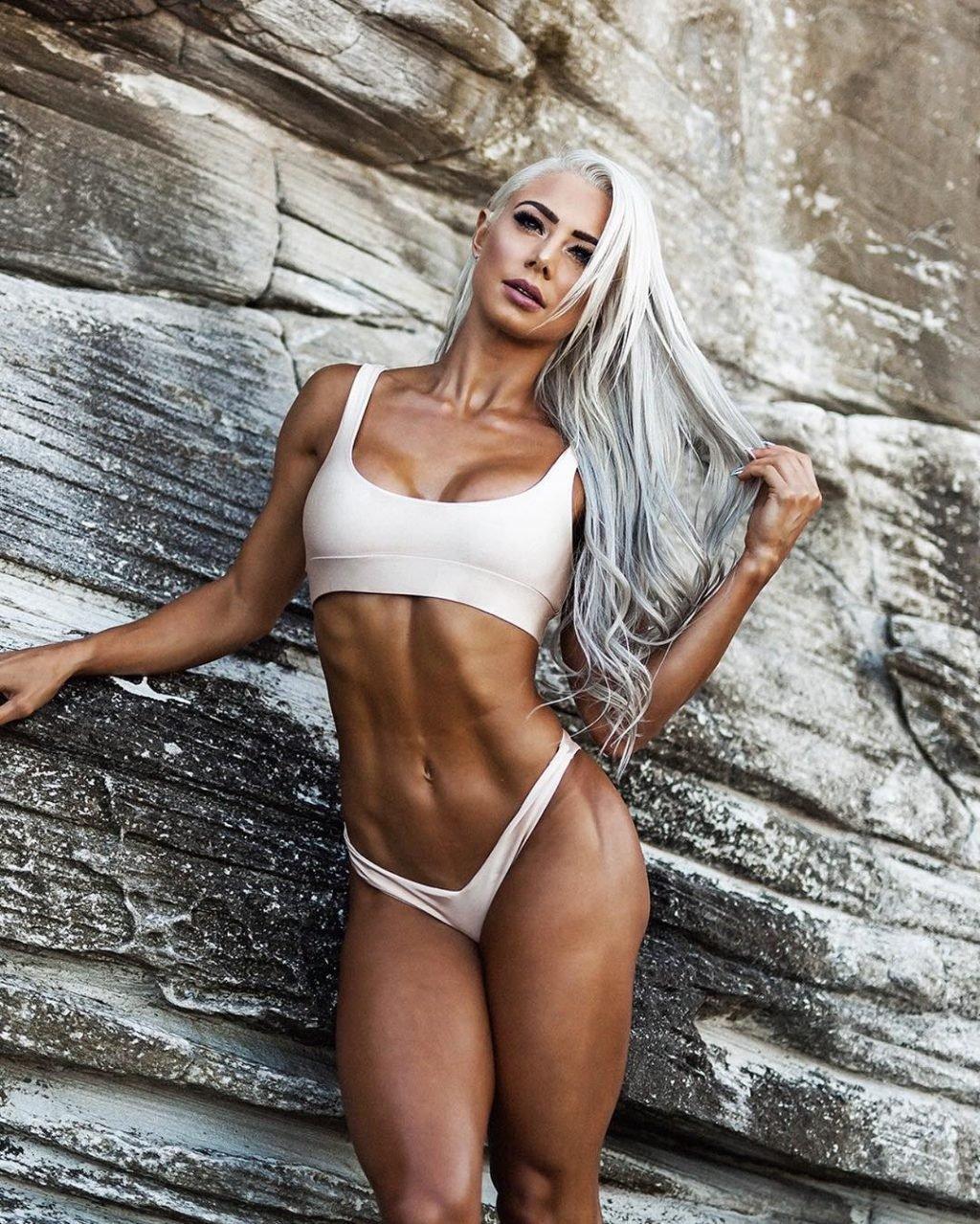 Lauren Simpson  nackt