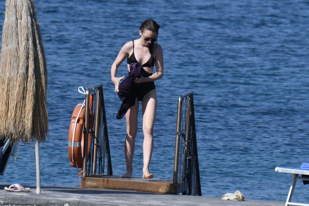 Lily Collins Sexy (132 Photos)