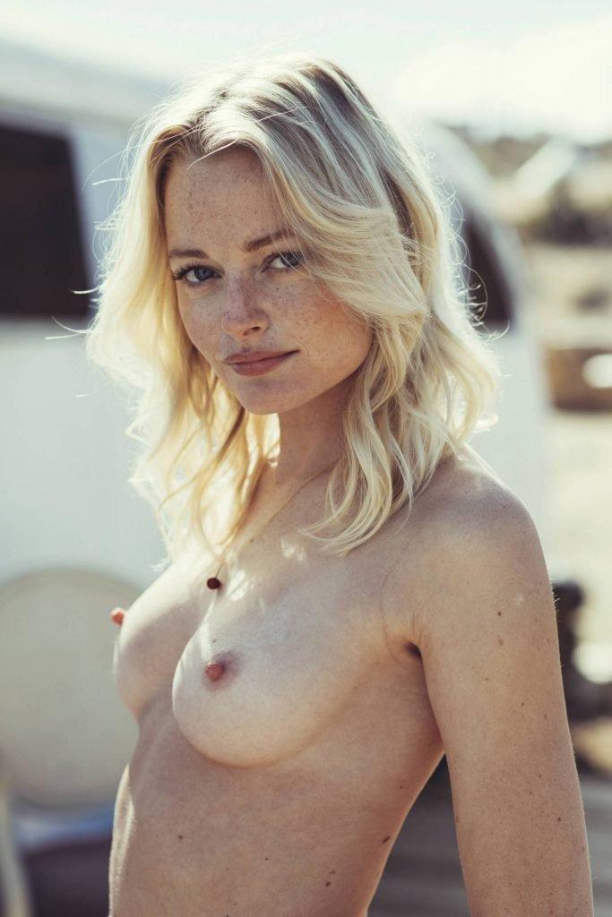 Megan Samperi Sexy & Topless (10 Photos)