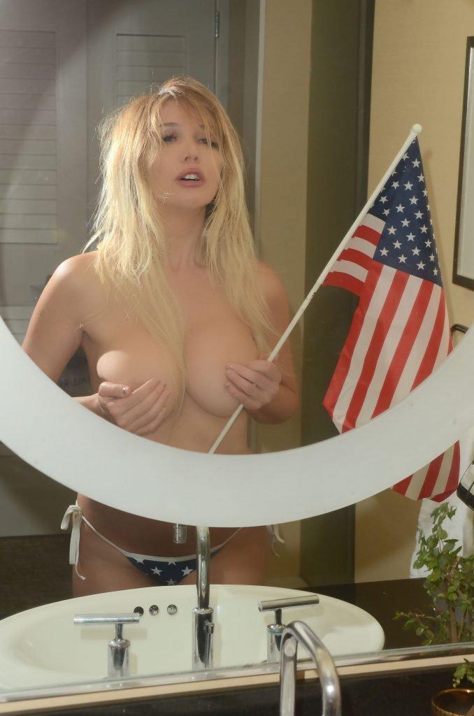 Nadeea Volianova Topless (11 Photos)