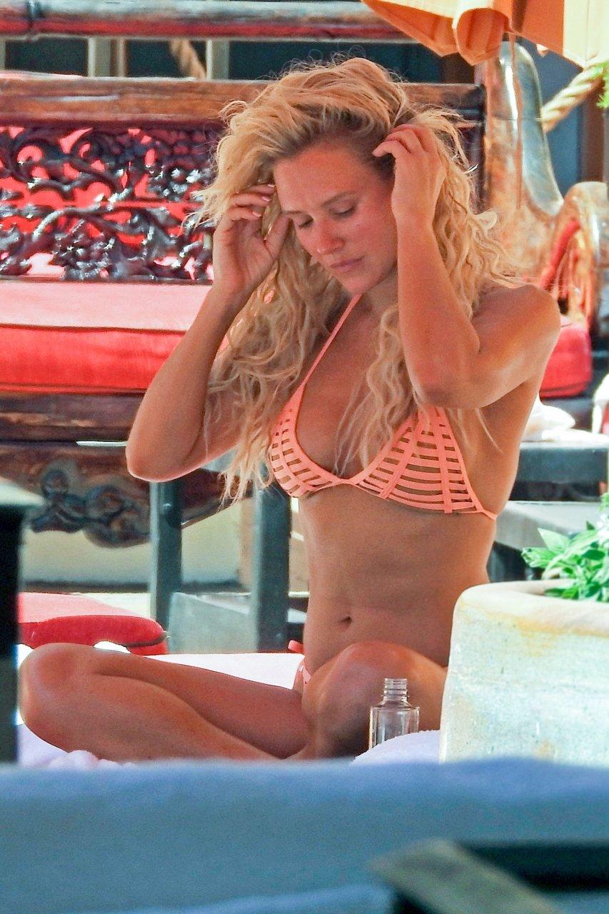 Bbw humping gifs nude