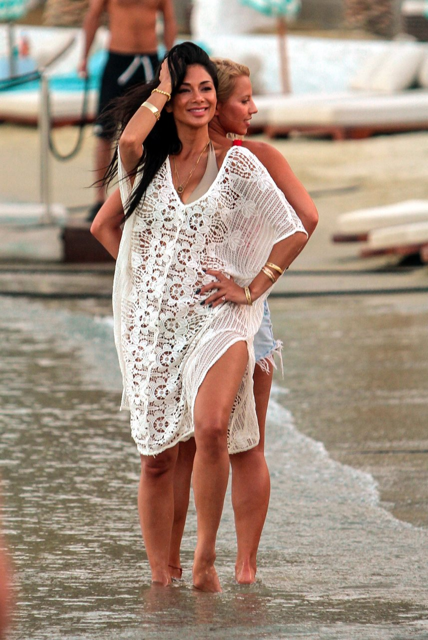 Nicole-Scherzinger-Sexy-TheFappeningBlog.com-1-1.jpg