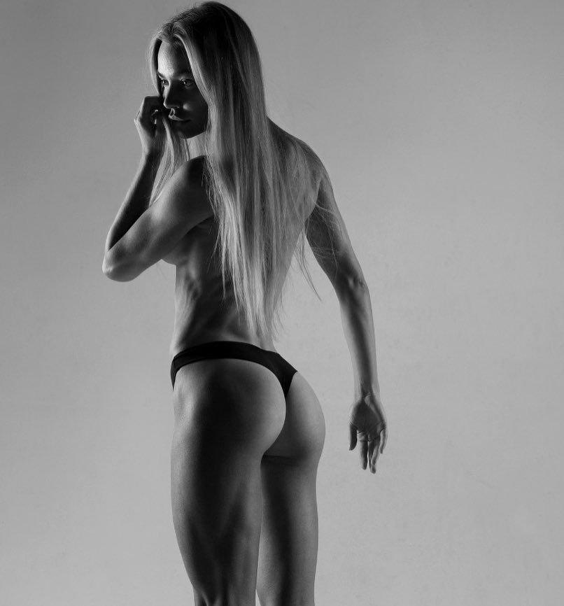 Nikol Kovalchuk Nude & Sexy (90 Photos)