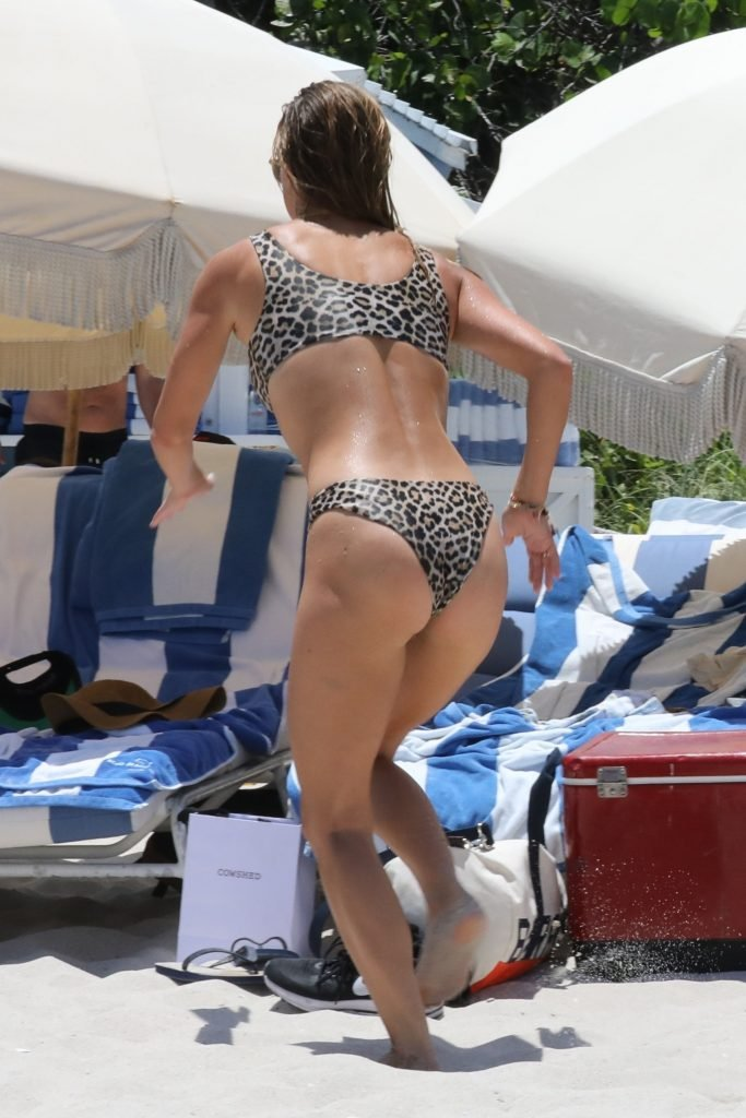Nina Agdal Sexy (80 Photos)
