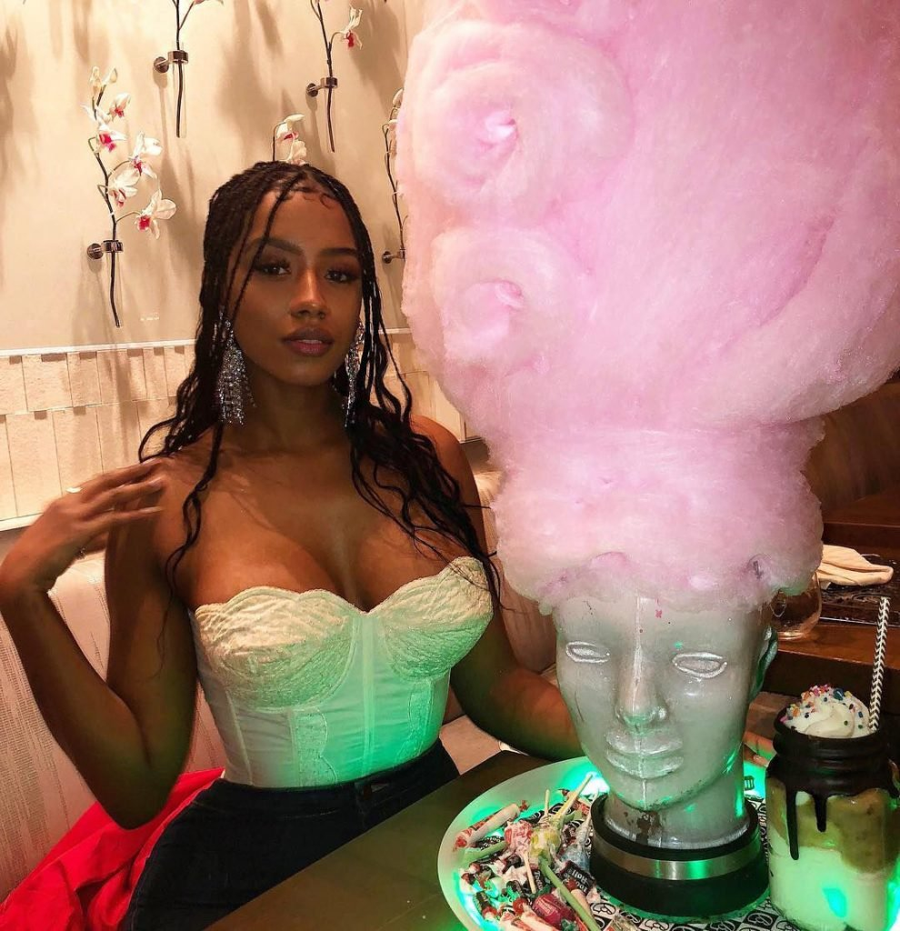 Raven Tracy Nude & Sexy (150 Photos)