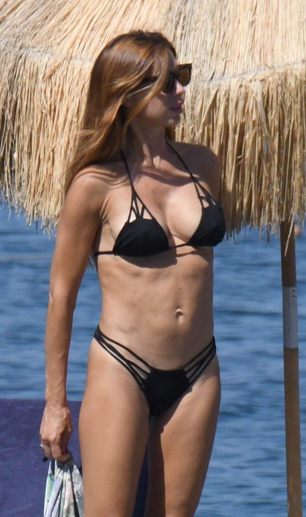 Veronica Maya Sexy (24 Photos)