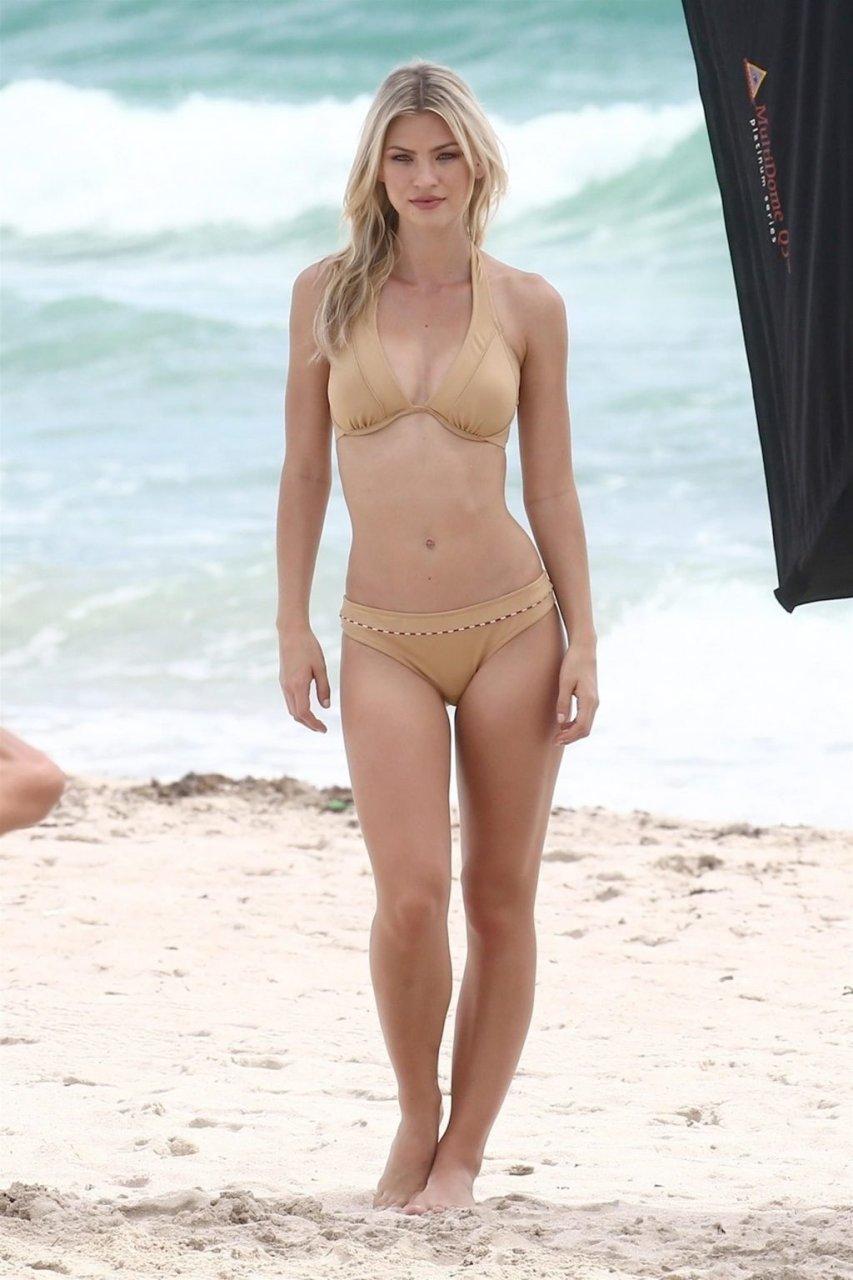 Andrea Cronberg Sexy (12 Photos)