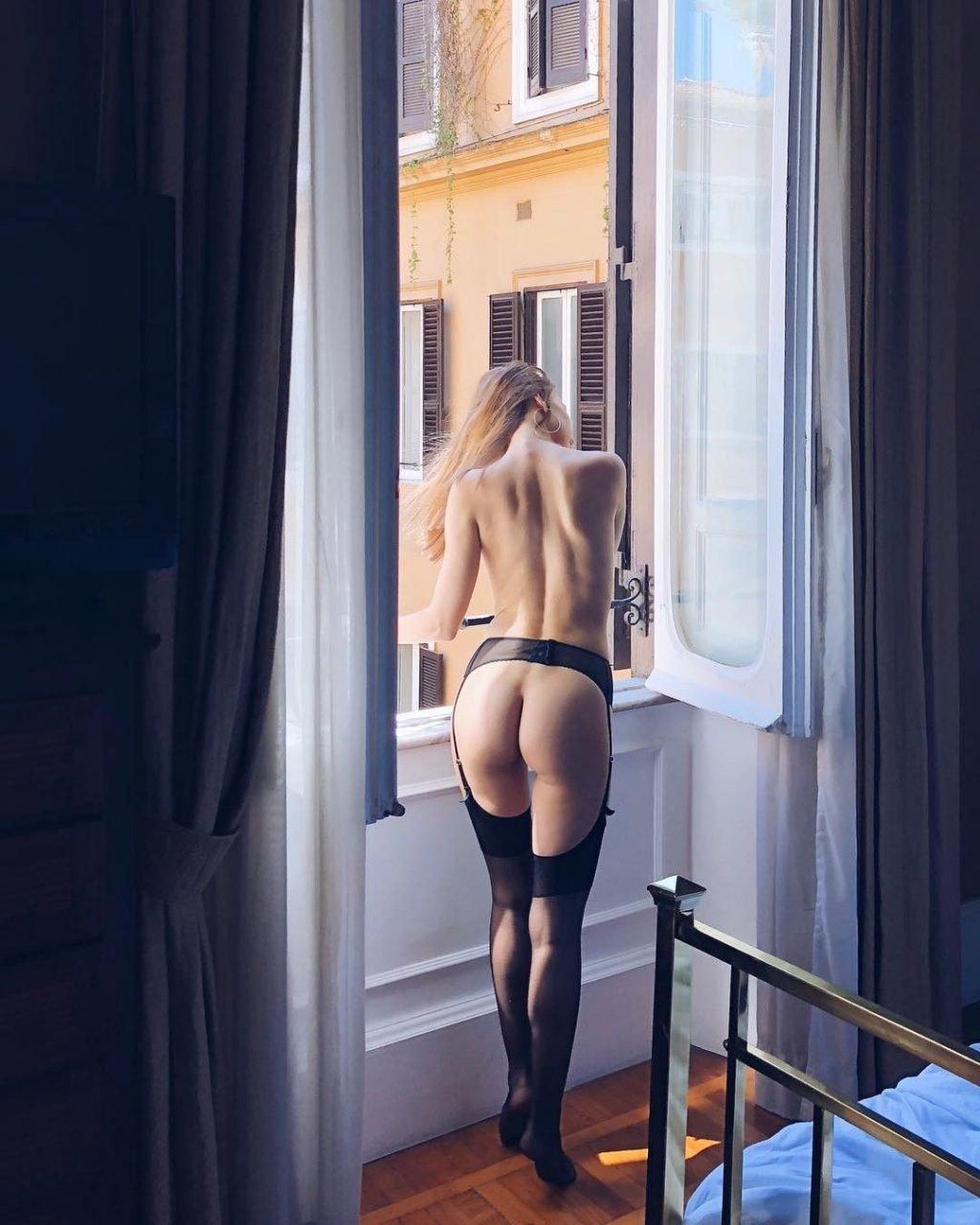 Anna Venice Nude & Sexy (59 Photos)