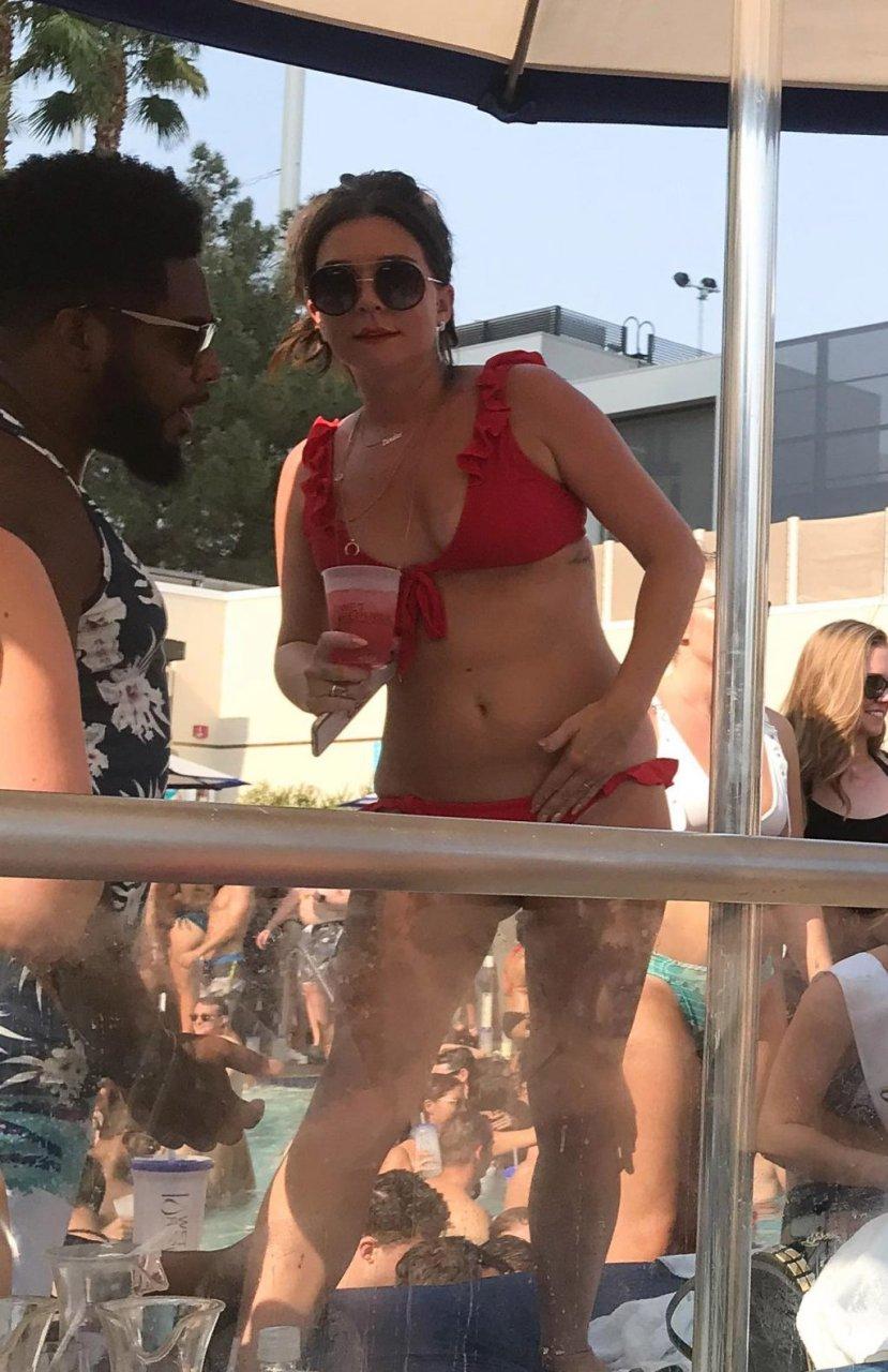 Candice Brown Hot (11 Photos)