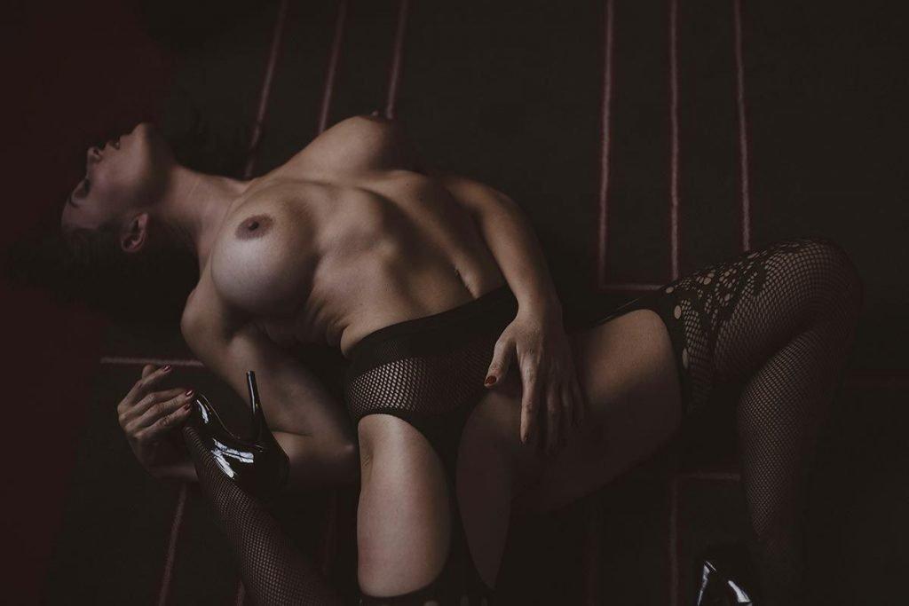 Celine Andrea Nude & Sexy (45 Photos)