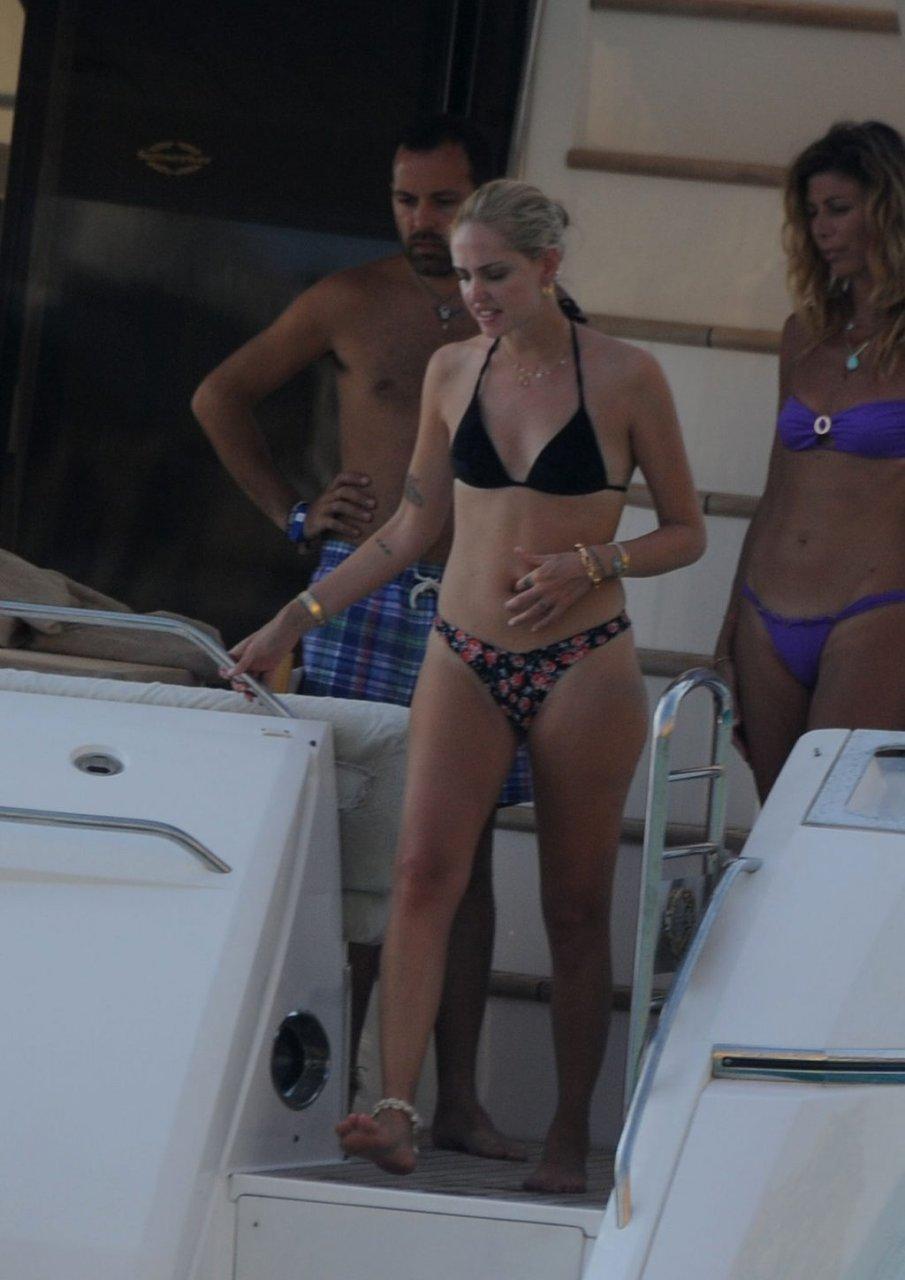 Chiara Ferragni Sexy (43 Photos)