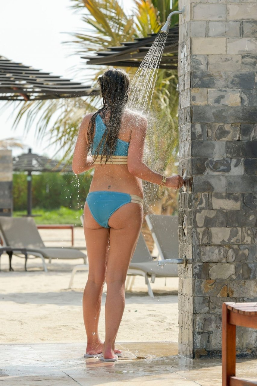 Danielle Lloyd Sexy (65 Photos)