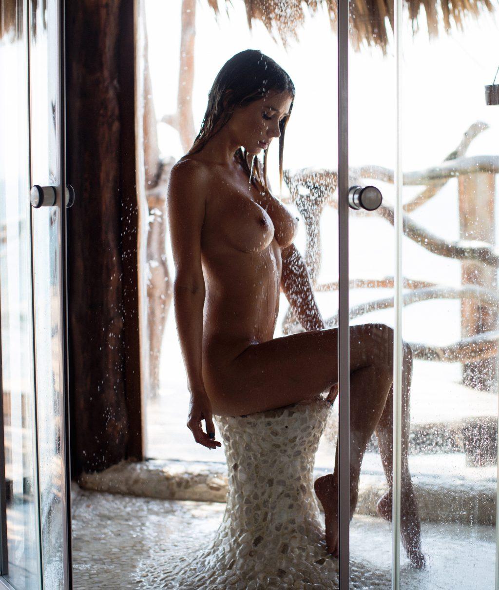 Sara Underwood Naked (7 New Photos)