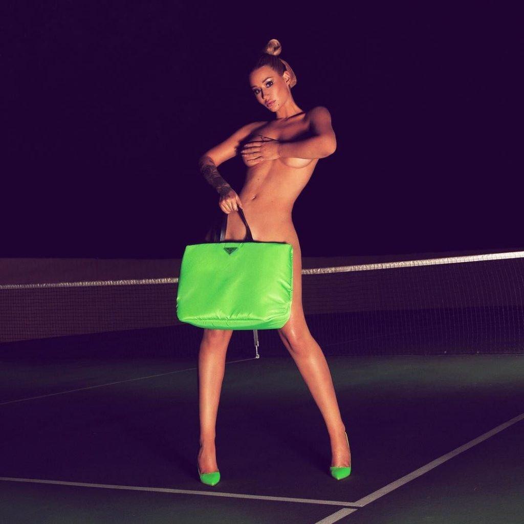 Iggy Azalea Naked (9 Pics + GIF)