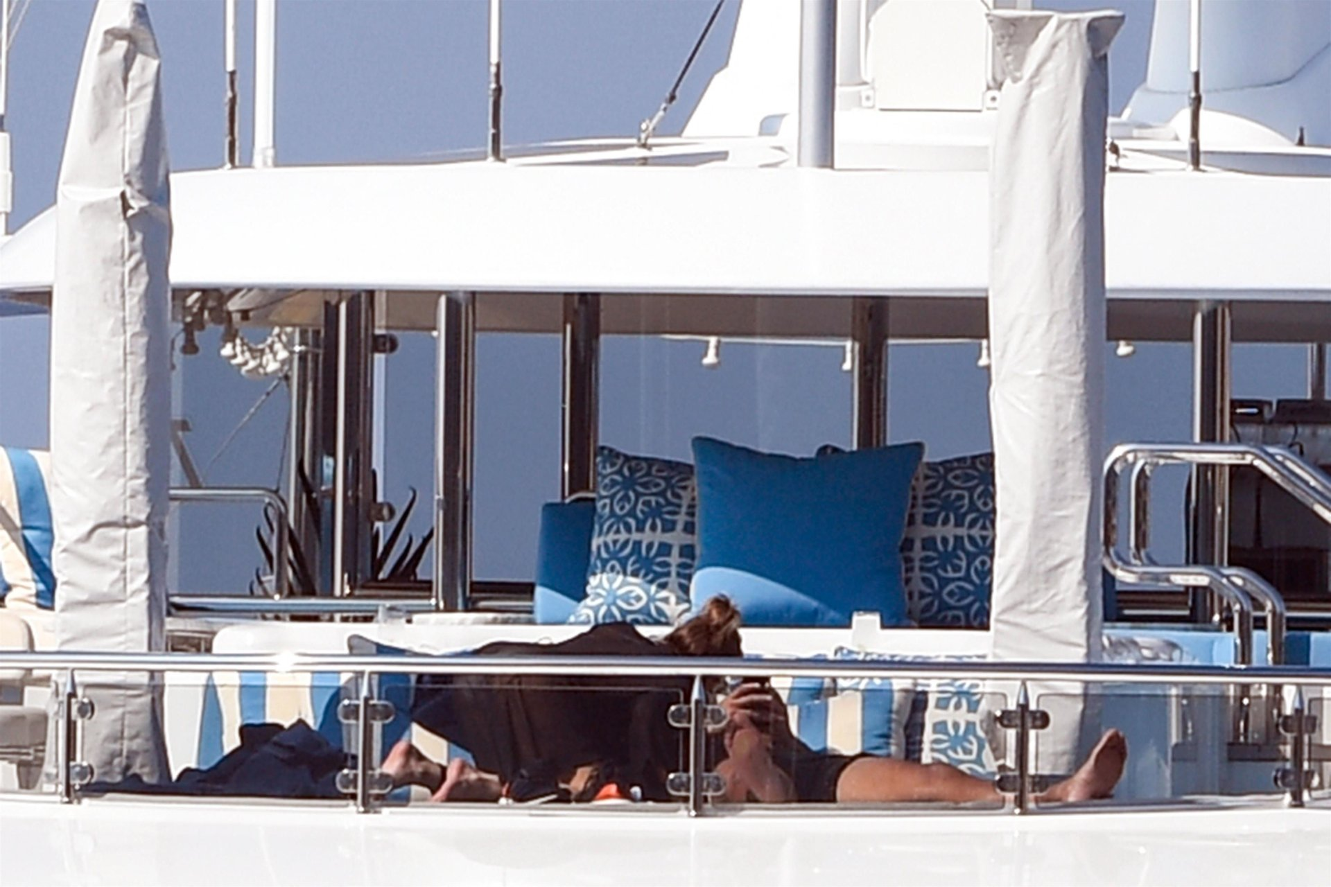 Jennifer-Lopez-Sexy-TheFappeningBlog.com-46.jpg