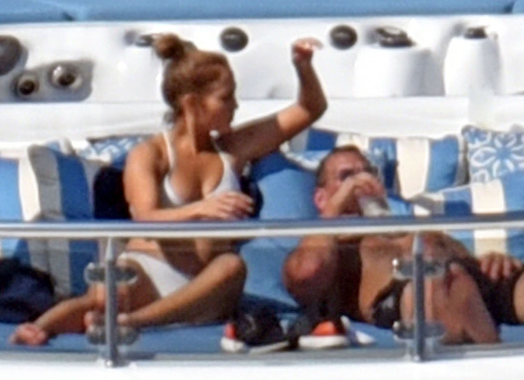 Jennifer-Lopez-Sexy-TheFappeningBlog.com-52.jpg