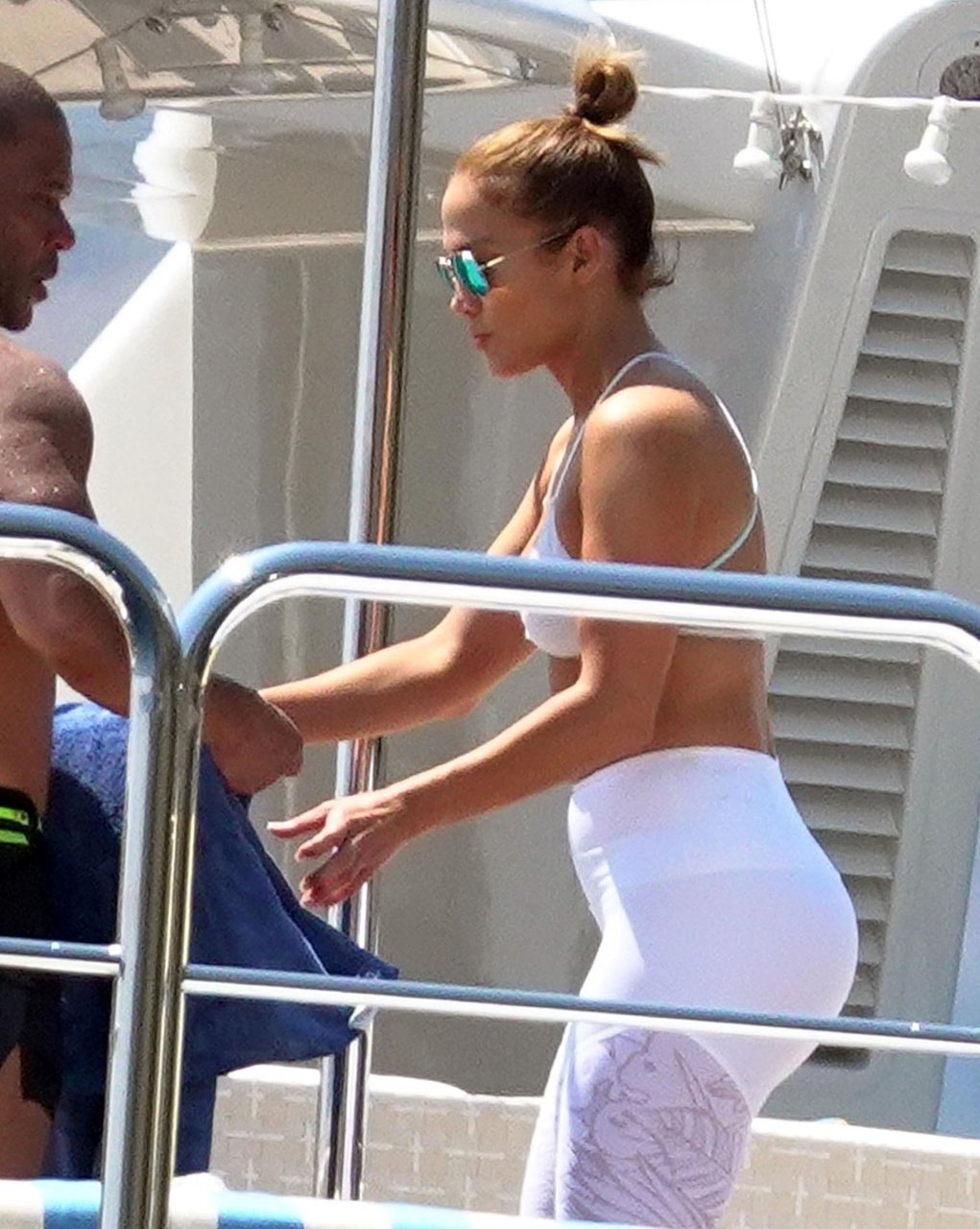 Jennifer-Lopez-Sexy-TheFappeningBlog.com-90.jpg