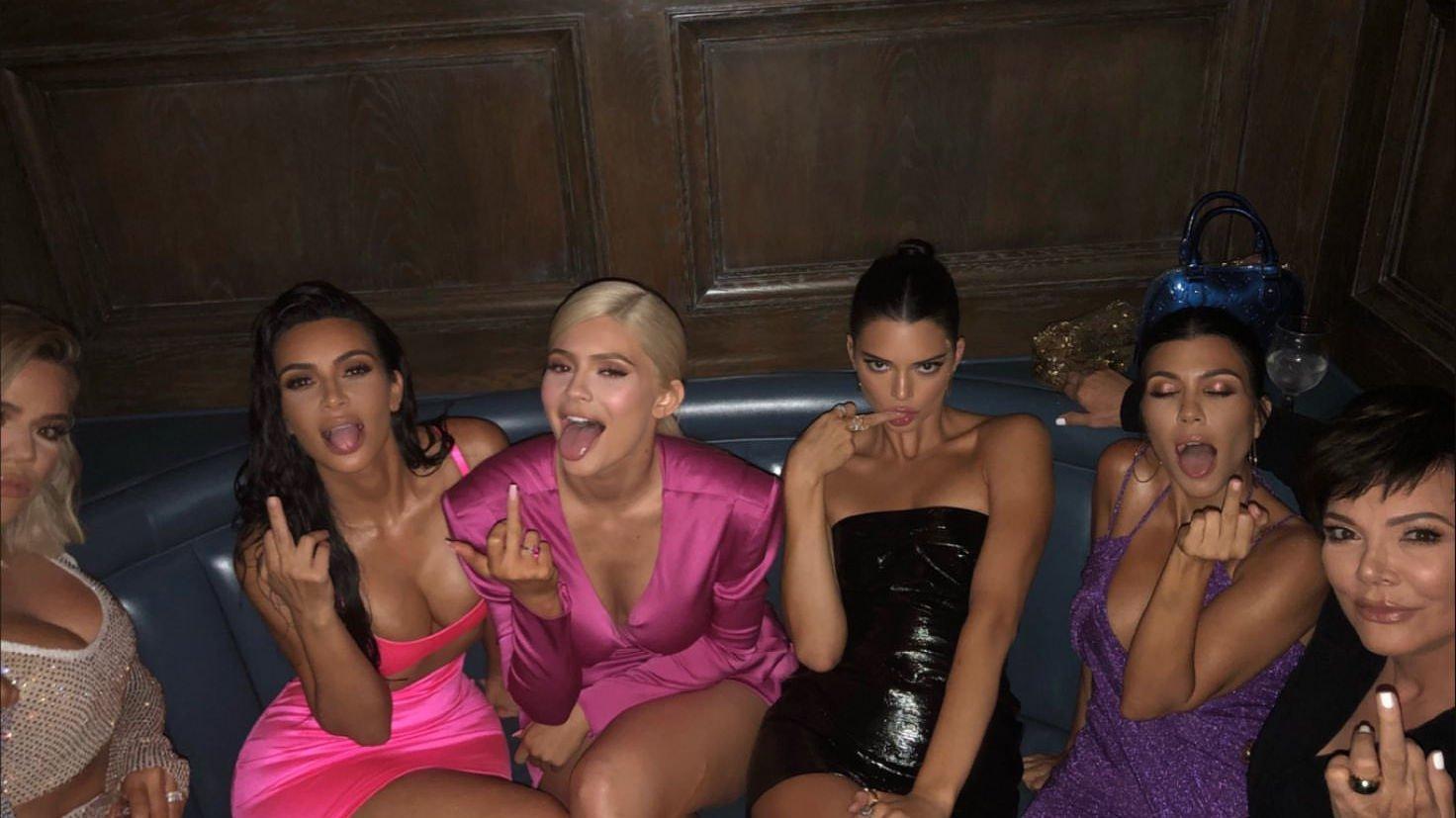 Kim-Kardashian-Sexy-TheFappeningBlog.com-1.jpg