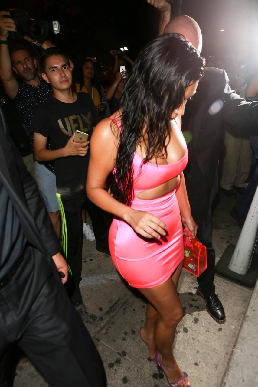 Kim-Kardashian-Sexy-TheFappeningBlog.com-15.jpg