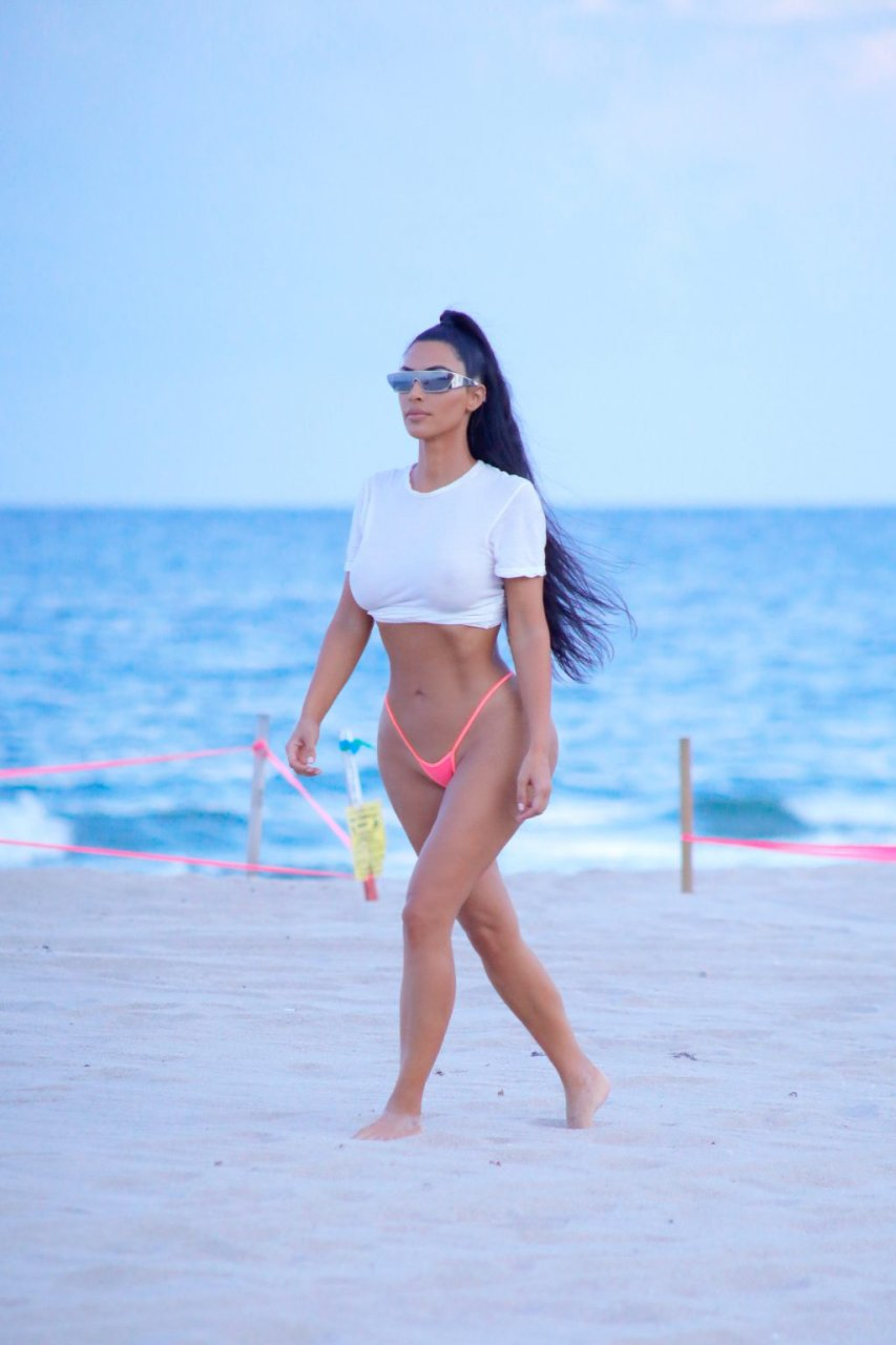 Kim kardashian ass gallery