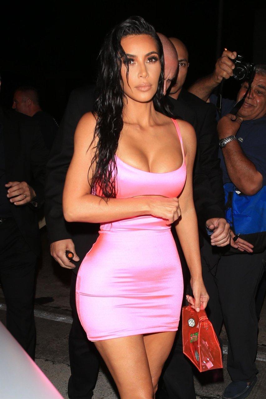 Kim-Kardashian-Sexy-TheFappeningBlog.com-29.jpg