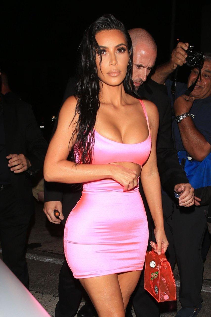Kim-Kardashian-Sexy-TheFappeningBlog.com-30.jpg