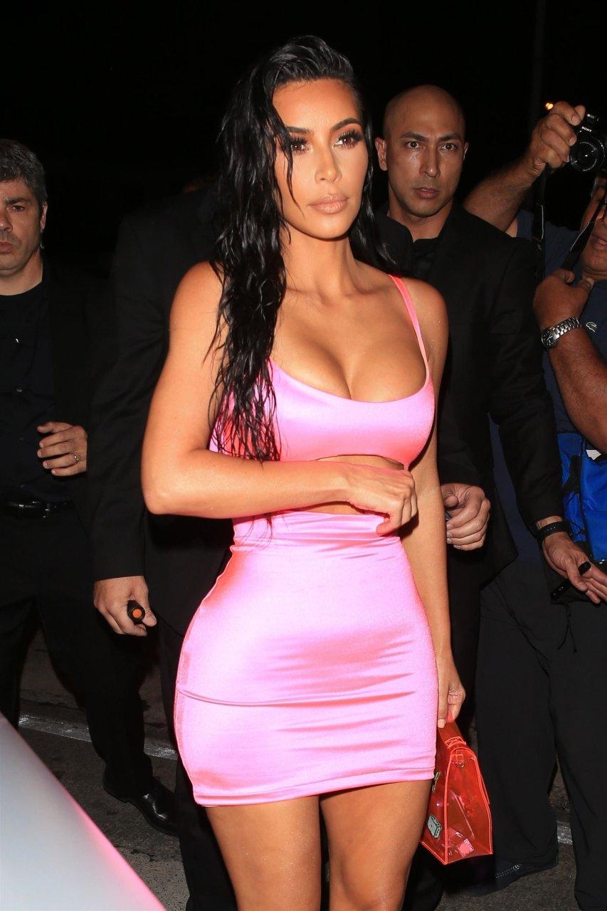 Kim-Kardashian-Sexy-TheFappeningBlog.com-31.jpg